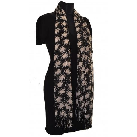 módní šátek pavouček